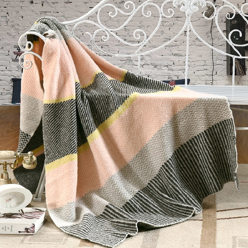 ФОТО Baby love Makarong color striped knitted blanke double-knit blankets Shawl Hotels leisure Home sofa cover blanket for children