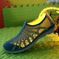 Moda aqua zapatos ultra-ligero de secado rápido de la playa de agua río caminar verano hombres ocasionales respirables flotillas zapatos al aire libre masculino