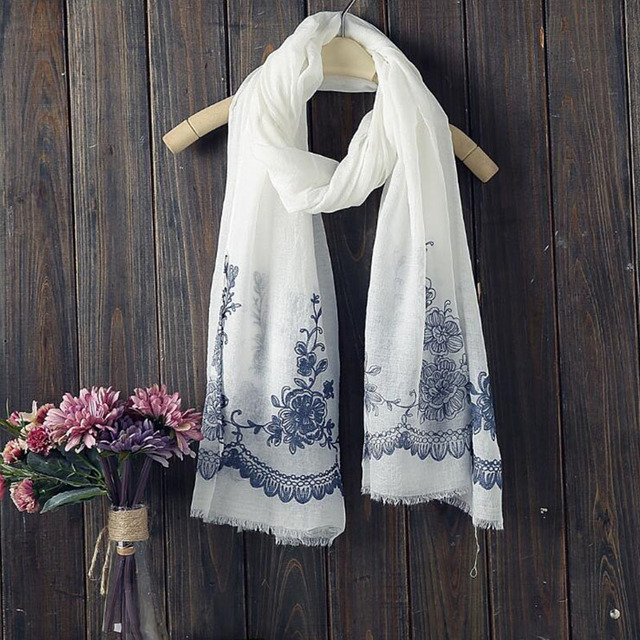 New arrival autumn and winter fashion ethnic style women cotton linen embroidery flower scarf long fringe style scarf