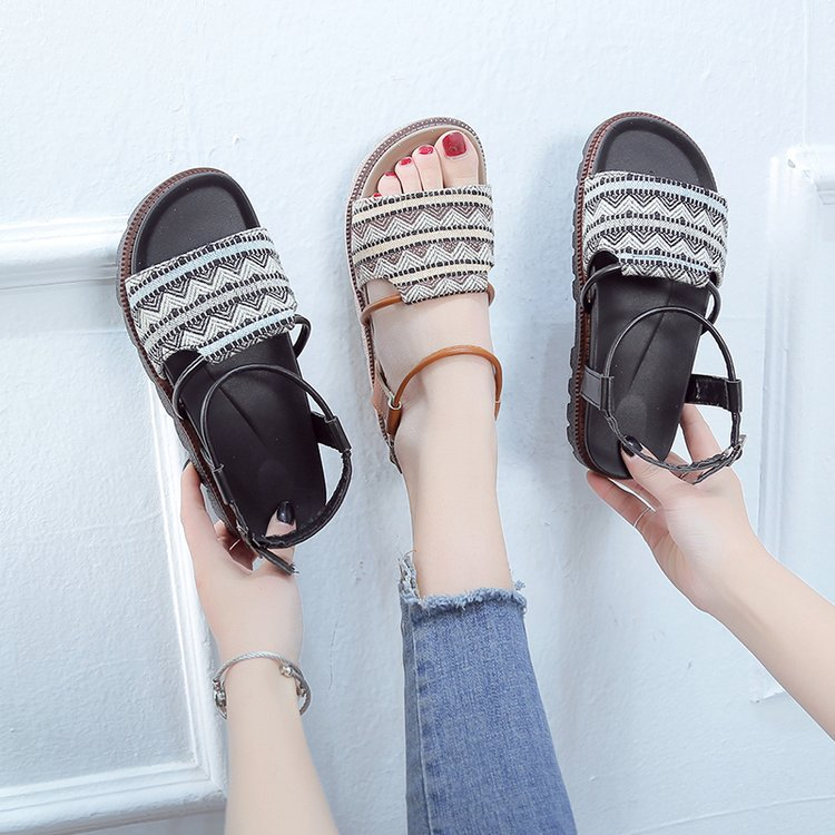 2019 new ins word buckle retro wild flat student thick bottom Hong Kong flavored sponge cake Roman sandals(China)