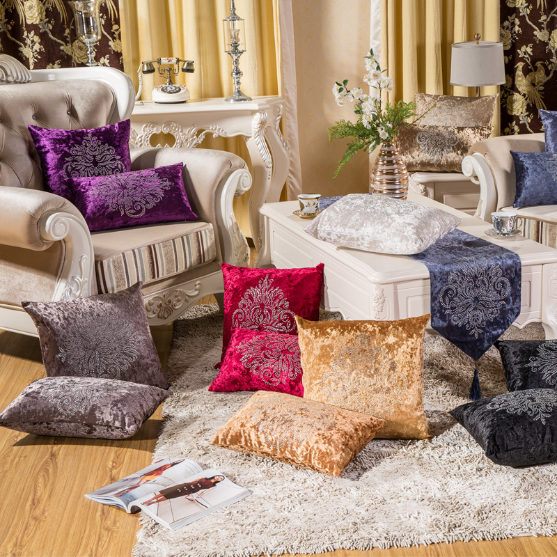 Top Quality Creativity Thick Soft Two Sided Velvet Hot Drilling Flower Vintage Sofa Cushion Home Decor Decorative Throw Pillows