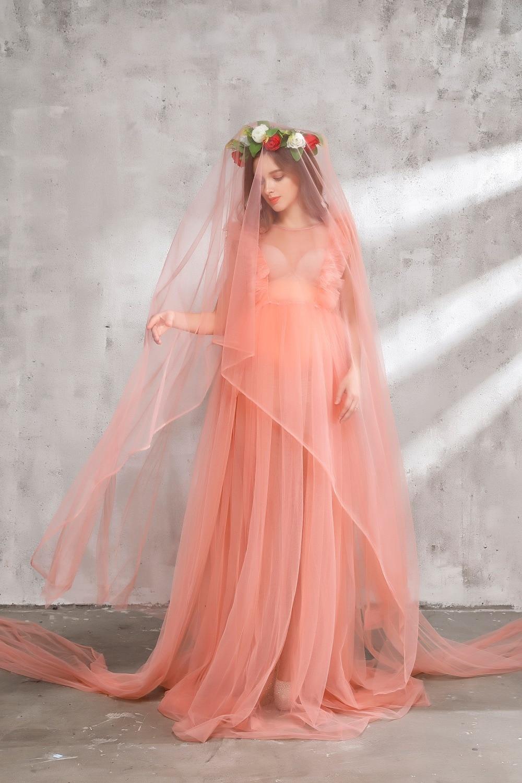 Excepcional Lindo Vestido De Maternidad Para La Boda Ilustración ...