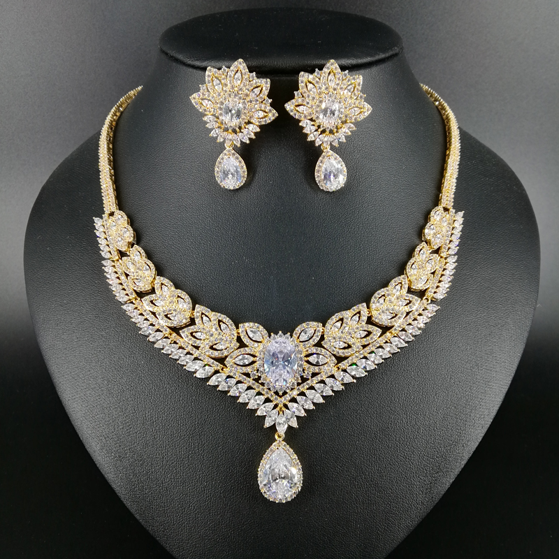 NEW FASHION Retro elegant crystal zircon golden necklace earring bracelet ring wedding bride banquet formal dress jewelry set women s elegant pendant necklace ring w zircon ornament set golden green