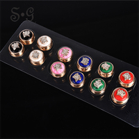 Wholesale 12 pcs round Resin ladies Brooch Lapel Pins for Women Broches Magnet Brooches Gift Women's wedding accessories