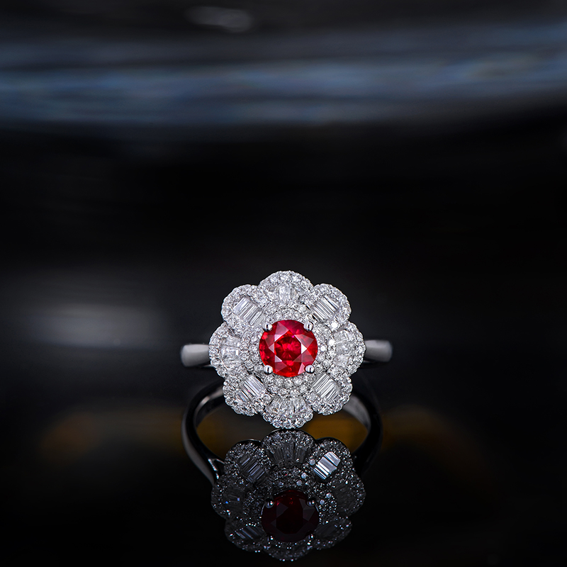 цена на Caimao 0.7ct Ruby Red Round 18kt White Gold 0.58ct Diamond Cluster Engagement Ring for Women Antique