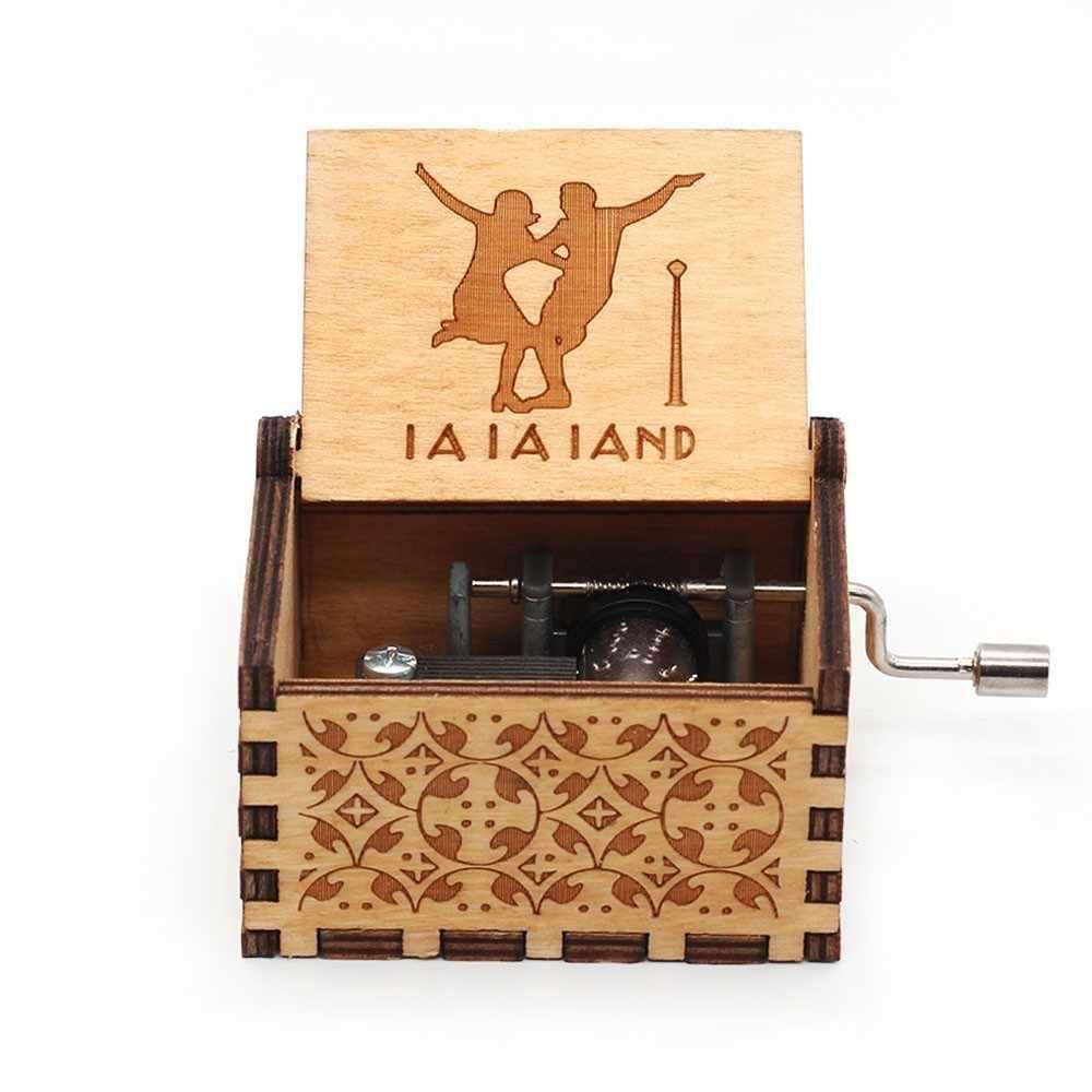 Venda quente amor pai e amor mam você meu sol sol tema caixa de música antigo esculpida manivela de madeira para mãe e pai melhores presentes