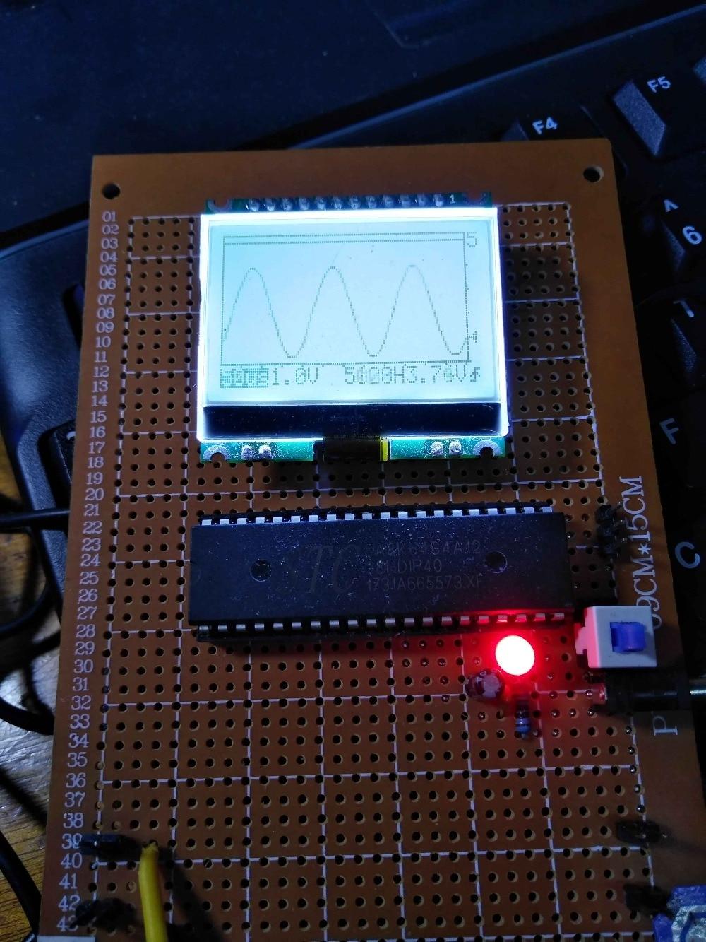 Design Von Single-chip-mikrocomputer Natürlich Basierend Auf 51 Ein-chip-mikrocomputer Oszilloskop