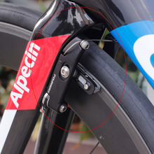 Wholesale prices Front or Rear Fouriers Road Bike Direct Mount Aero V Brake For Giant Propel Vittoria Black new without Orignal box