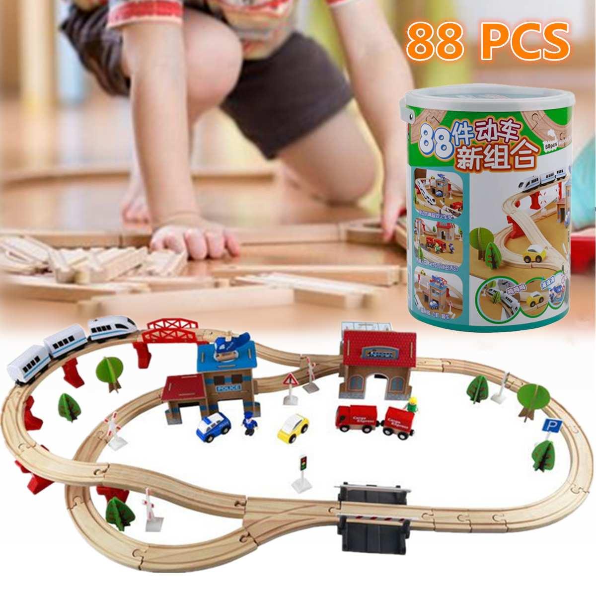 88 pièces en bois Train piste ensemble enfants en bois chemin de fer Puzzle fente Transit pistes Rail Transit Train Train chemin de fer jouets pour enfants cadeau
