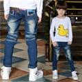 2017 Primavera Muchachos Sólidos Pantalones Vaqueros Niños JeansLight Muchachos Lavado Jeans para Boy Regular Cintura Elástica Pantalones Vaqueros Del Cabrito de Los Niños P262