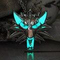 The Witcher 3 Caza Salvaje Lobo Collar Colgante Juego De tronos Stark Crepúsculo hombre lobo Collar de RESPLANDOR en la noche OSCURA luminoso