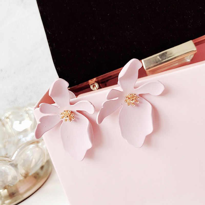 Fashion Korean Style Big Flower Earrings For Women Sweet Elegant Ear Stud Classics Party Jewelry Irregular Daisy Flowers Earring