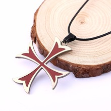 Fashion Assassins Creed 3 Templar Necklace Alloy  Shape Pendant Figure Cosplay Jewelry for Women Men HC11323