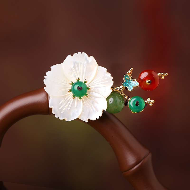 new High-end fashion badge A scarf shawl hat pride shell flower Dongling jade badges
