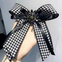 Ткань лук броши для Для женщин галстук Стиль Брошь Pin свадебное платье рубашка Броши Pin аксессуары ручной работы Для женщин Подарки