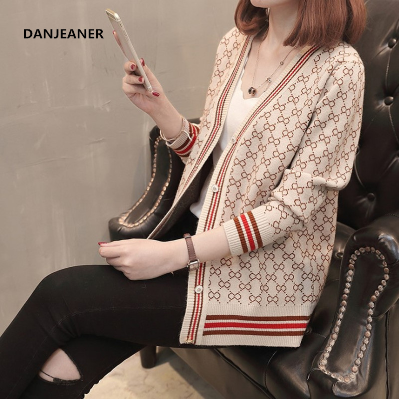 Danjeaner Korean Style Single Breasted Cardigans Womens Sweaters 2018 Winter V-Neck Long Sleeve Fashionable Printed Knitwear