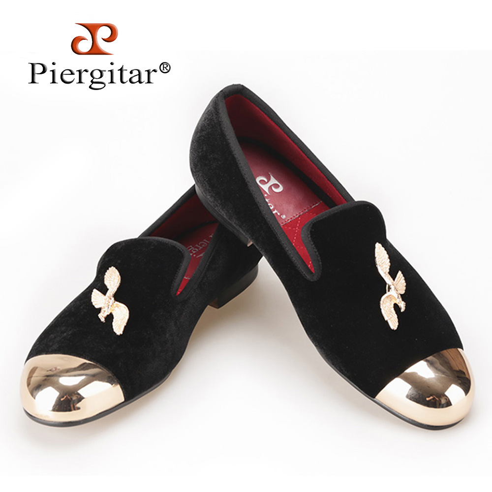 PIERGITAR New Style Velvet Shoes with gold toe and eagle design Men's flats  Prom and Party Men loafers Dress shoes handmade red suede men shoes with gold rhinestone and gold toe metal party and banquet men dress loafers male s flats