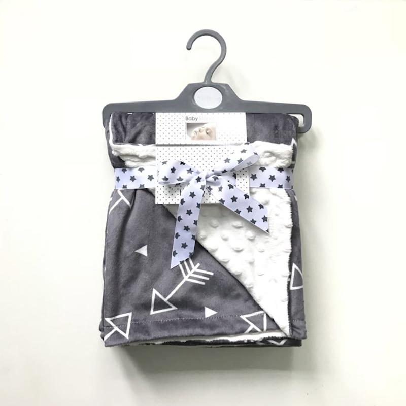 цена на 120*75cm Baby Minky Blanket Newborn Fleece Swaddle Wrap Infant Soft Bedding crib Flannel Receiving Animal Carton Manta Bebes