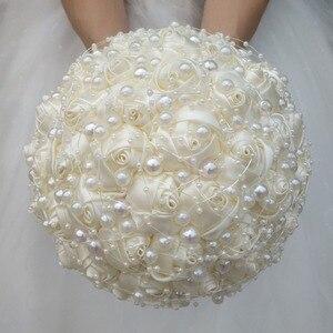 Image 3 - (Handgelenk blume und boutonniere) Elfenbein Perlen Satin Bouquet Creme Perle Perlen Blumen Halten Seide Hochzeit Braut Bouquet Set