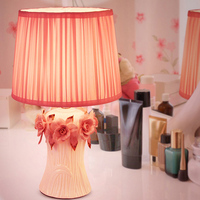 Warm Pink Flowers Table Lamps Princess Wedding Ceramic Cloth Light Creative Wedding Room Bedroom Bedside Table