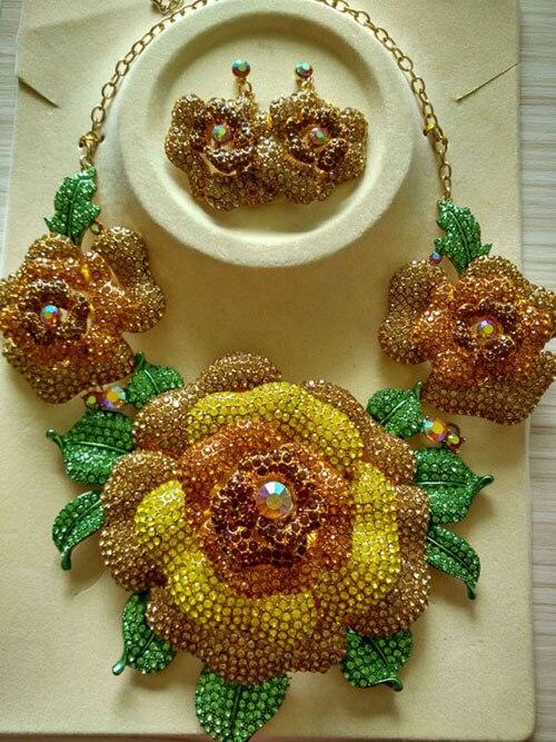 HTB1etkUcbsTMeJjSsziq6AdwXXaX Elegant Pink Women Flower Crystal Wedding Necklace Earrings Set Zircon Rhinestone Party Jewelry Set for Brides WC039