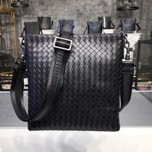 2019 New men bag Genuine leather Cowhide genuine zooler messenger satchel The single shoulder