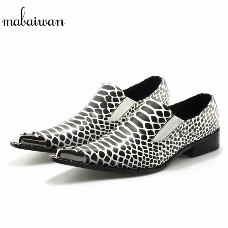 Mabaiwan 2018 Fashion New Handmade Metal Decor Leather Men Shoes Slip On Wedding Dress Casual Shoes Men Pointed Toe Homme Flats sexy pointed toe slip on women slippers 2017 handmade embroidery leather flats dress shoes woman gladiator tassel casual shoes