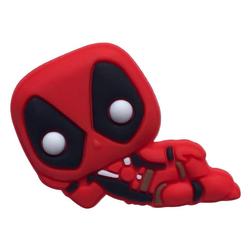 Broches 1PCS PVC Dos Desenhos Animados Figura Deadpool Ícones Pinos Emblema Do Botão Pinos Crachá Mochila Chapéu Roupas Decoração