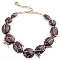 New Design Vintage Brown Elliptic Crystal Asymmetric Necklace Fashion Brand Chunky Statement Jewelry Clothing Accessories
