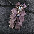 Cavalheiro gravata terno Do Noivo Melhor Homem incrustada de cristais de strass decoração do vintage laço colar de jóias presente do homem de negócios
