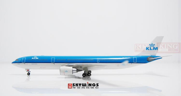 Phoenix 10593 Holland Royal Air PH-AKA 1:400 A330-300 commercial jetliners plane model hobby phoenix 11006 asian aviation hs xta a330 300 thailand 1 400 commercial jetliners plane model hobby