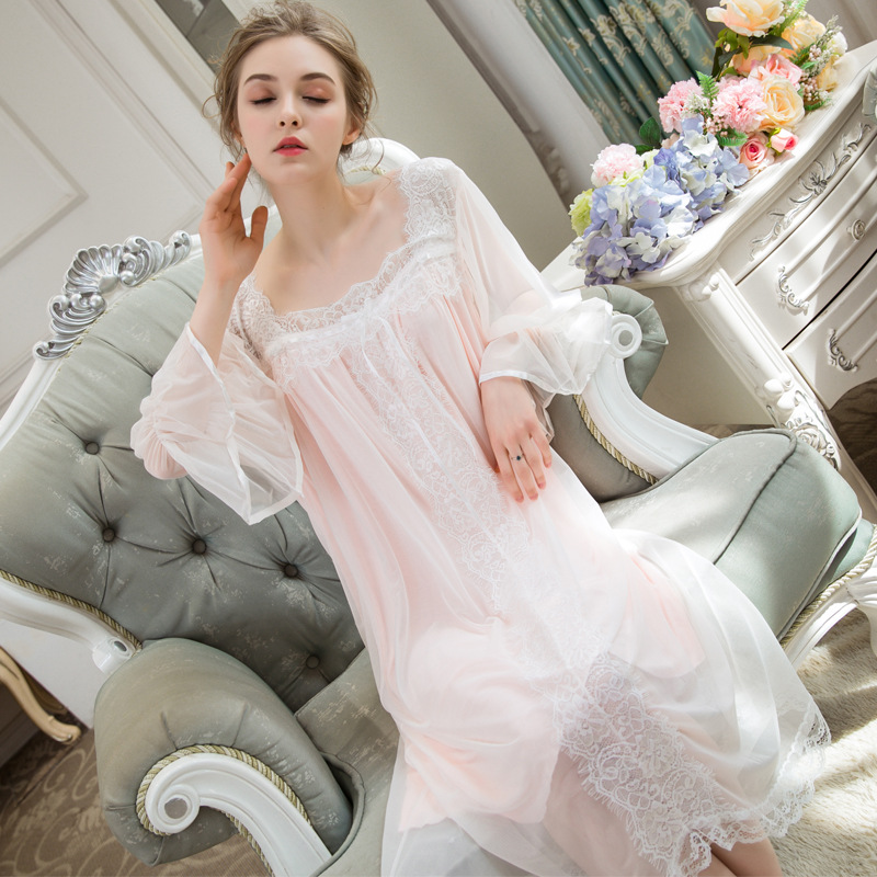 c221bfceb Algodón marca de moda costura de encaje vestido de dormir femenino Pijamas  larga princesa Pijamas encaje ...