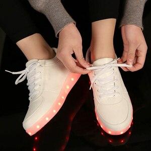 Image 4 - Di alta Qualità Eur Formato 27 42 7 Colori Capretto Luminosi Scarpe Da Ginnastica Incandescente USB Carica Ragazzi LED Scarpe Ragazze Calzature LED Pantofole Bianco