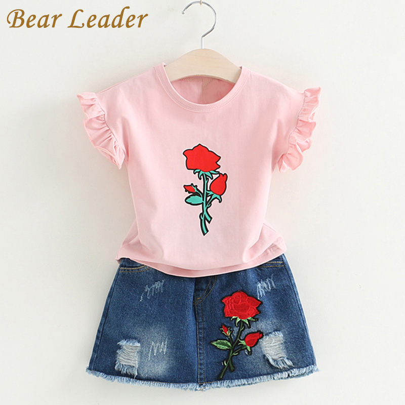 цена  Bear Leader Girls Sets 2017 New Children Clothing Rose Print Kids Clothes Pullover T-shirt+Demin Skirt 2Pcs Suits Embroidery Set  онлайн в 2017 году