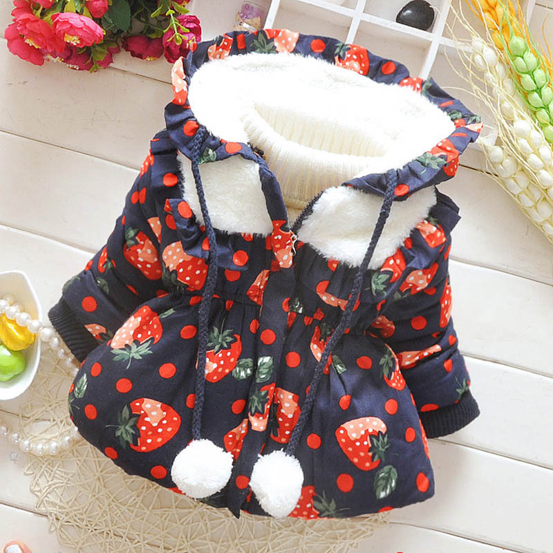74eca9e7228f 2016 Moda Outono Inverno casaco Bebê Meninas Morango crianças jaqueta de  roupas de inverno da neve do bebê desgaste meninas ourterwear quente em  Casacos de ...