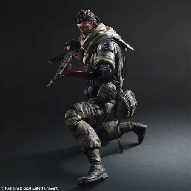 Play Arts 33cm METAL GEAR SOLID V5 Snake PVC Action Figure Collectible Model Toys metal gear solid action figure sons of liberty figma 298 soldier pvc toy 16cm anime games figures snake collectible model doll