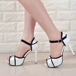Verão oco fivela sapatos femininos europeu e americano luta cor boca de peixe fino com saltos altos jovens diariamente sapatos