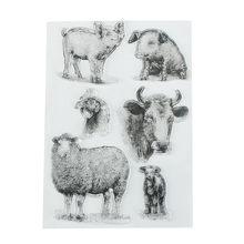 Personaggio dei cartoni animati sveglio della mucca con il