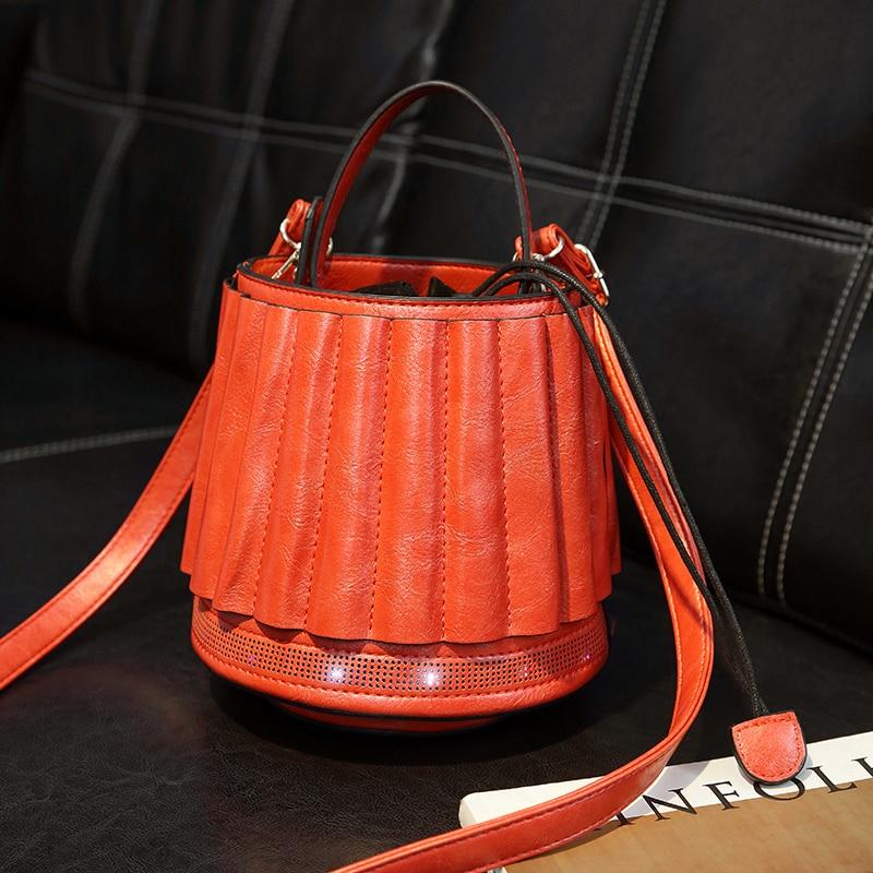 IPinee Chic Tas Lantaarn Vormige Messenger Bag Glow met 5 licht kleuren Emmer Handtassen Trekkoord Crossbody Tas voor Meisjes Portemonnees-in Top-Handle tassen van Bagage & Tassen op  Groep 2