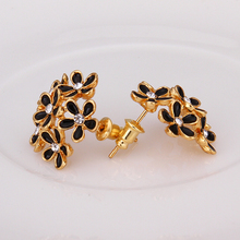 USTAR Gold color Austrian Crystals Lovely Black flower Stud Earrings for Fashion Wedding Jewelry Accessoriestop quality