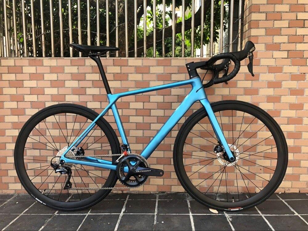 2018 disque vélo de route en fibre de carbone vélo complet vélo carbone BICICLETTA vélo groupe R8020 disque carbone 50mm pneu