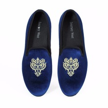цена New Handmade Men Blue Velvet Loafers Casual shoes Slip-On Dress Shoes British Smoking Slippers Men's Flats Plus size US 7-13 онлайн в 2017 году