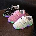 Kids light up shoes 2017 nueva primavera niños casual shoes con luz deportes shoes led niño niños niñas botas brillantes zapatillas de deporte