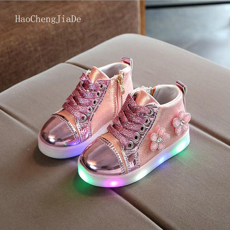 Hot Sale Children Glowing shoes With Light Popular Boys Casual Shoes Girls Cartoon Sneakers Kids Led Sport Shoes Size 21-30Hot Sale Children Glowing shoes With Light Popular Boys Casual Shoes Girls Cartoon Sneakers Kids Led Sport Shoes Size 21-30