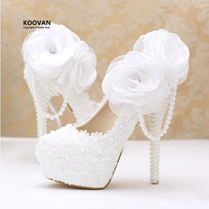 цена на Koovan Wedding Shoes 2017 fashion white pearl lace flowers high heel Women shoes bridal shoes Women wedding shoes Women pumps