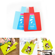2PCS / LOT Plastic Eco-friendly Creative plastic chopping mats  and cutting board folding for camping for kitchen