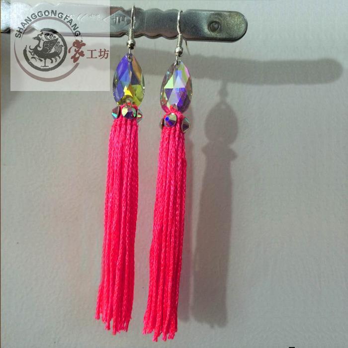 Nuovo stile accessori di ballo latino gen nappa di ballo latino orecchini  per le donne orecchini di danza latino 73e7651efb85