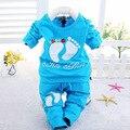 Bebé arropan los sistemas pequeños pies Lindos del otoño bebés de la ropa de Algodón 2 unids/set manga larga ropa del bebé fijaron 1-3 año