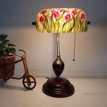 Vintage pintado Flor de vidrio lámpara de mesa para la iluminación de noche para dormitorio de madera maciza soporte europeo clásico retro trabajo lámpara de escritorio