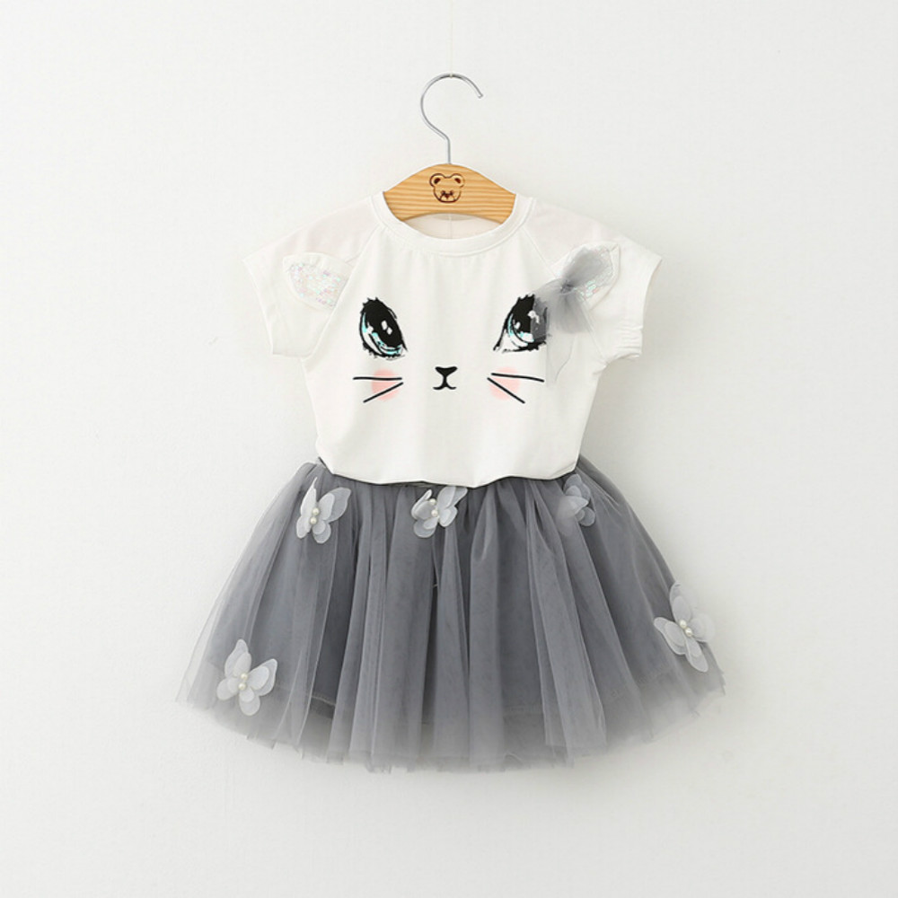 Girls short sleeve suit 2017 summer new childrens clothing cute cat T-shirt + butterfly pompon yarn skirt